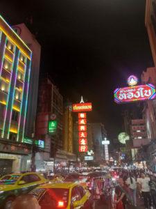 Chinatown de noite en Bangkok