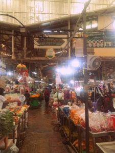 Mercado flores Pak Khlong Market en Bangkok