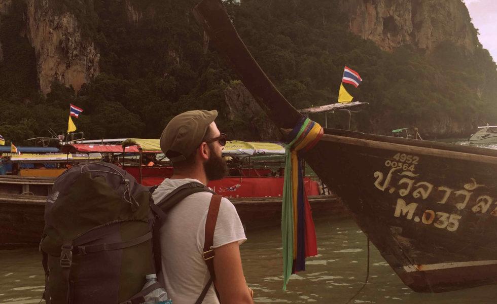 Esperando o ferri de Railay a Phi Phi